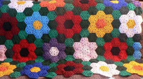 Plaid  - Assemblage d'hexagones Granny en qualité Canada de Lammy
