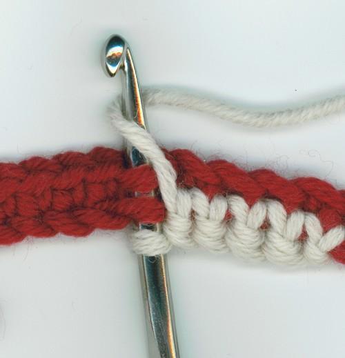 le crochet maille serr e r versible travail en rond deux couleurs. Black Bedroom Furniture Sets. Home Design Ideas